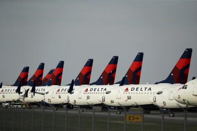 夏季需求萎縮7成5 達美航空預告逾2500名機師放無薪假