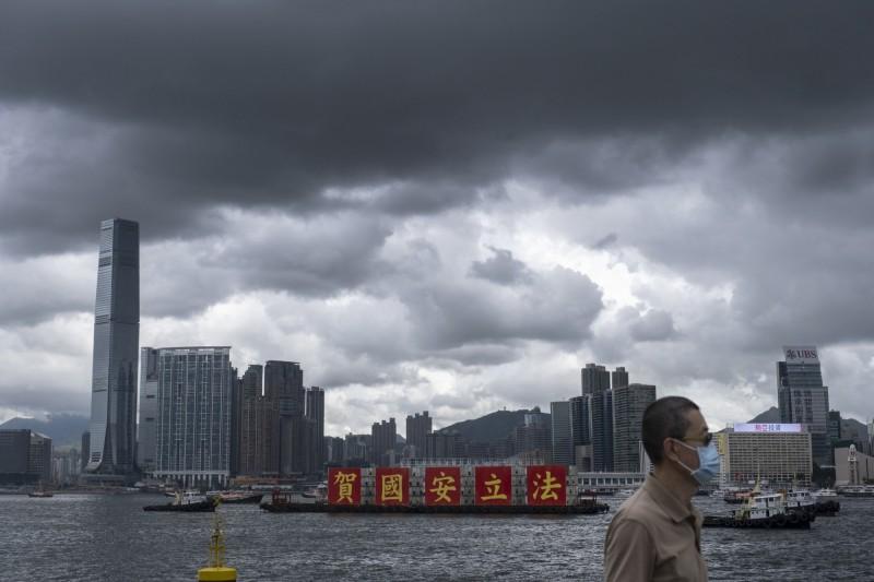 香港進入新威權時代 路透:港人海外置產、找工作爆增