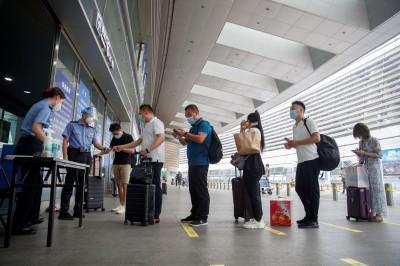武漢肺炎》北京出行禁令鬆綁   人群大規模出逃