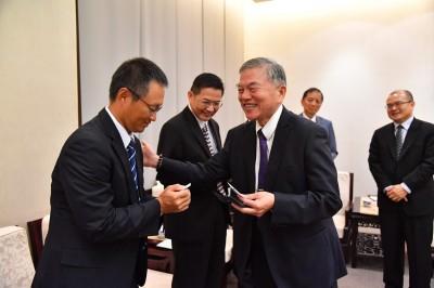 半導體業向政院反映:補助外商來台造成台灣人才外流