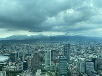 疫情、低利交錯 北台灣上半年推案像坐「雲霄飛車」