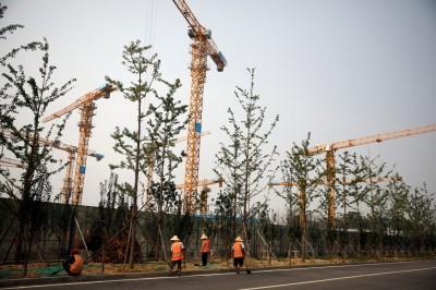 中國房企摔跤!5年來首家大型開發商違約逾千億