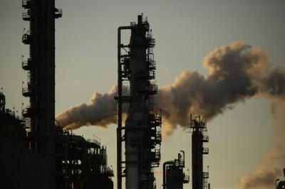 美國原油5月創紀錄減產 國際油價漲近1%