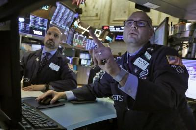 川普連簽4項紓困令  美股週1開盤小漲、道指漲逾150點