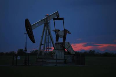 美庫存大減加颶風侵襲 國際油價漲逾4%