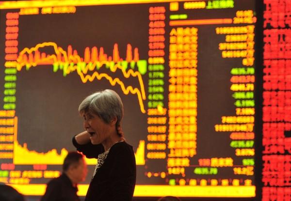 中國股市隨時可能反轉 施羅德:投資人不宜追高