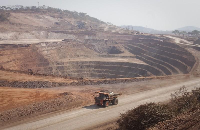 中國爆買鈷礦 日官員警告:如控制中東油田