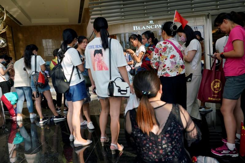 中P2P網貸又爆受害者抗議 3百人湧入上海金融區
