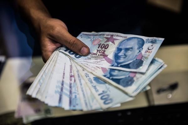 土耳其2大政黨宣告分裂 里拉再貶逾3%