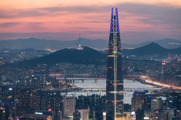 南韓樂天5年新計畫 投資50兆韓元供7萬職缺