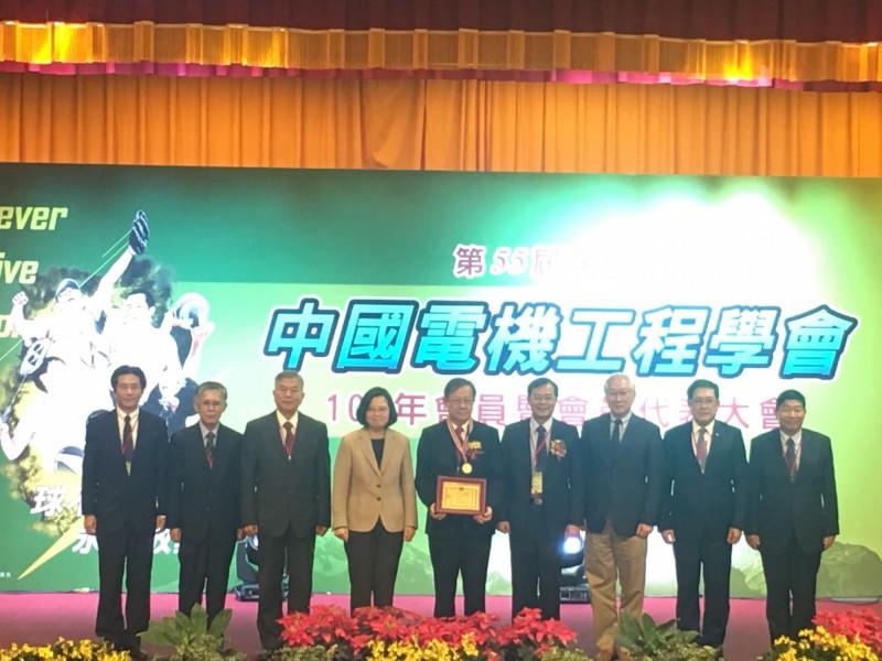 「台灣一體」維持供電平衡 蔡英文籲地方中央合作