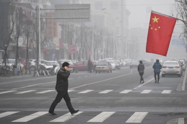 市值蒸發61兆、10大類股齊跌!中國股市陷10年來最大危機