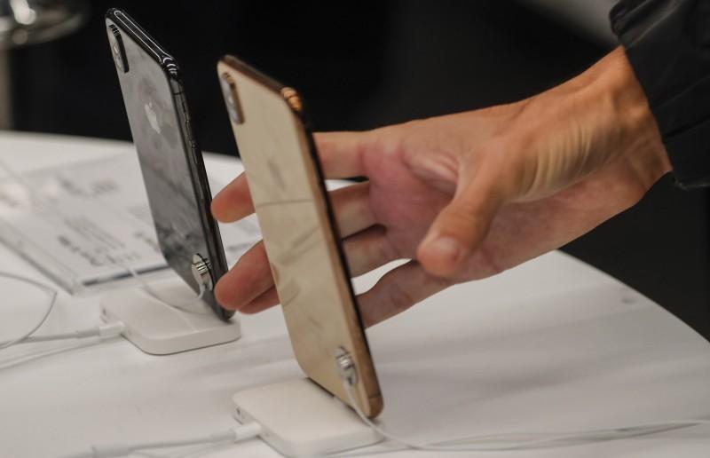 日本今年最暢銷手機不是iPhone XR 而是「它」