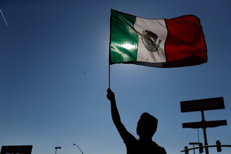 墨西哥股市去年跌逾15% 創17年最慘