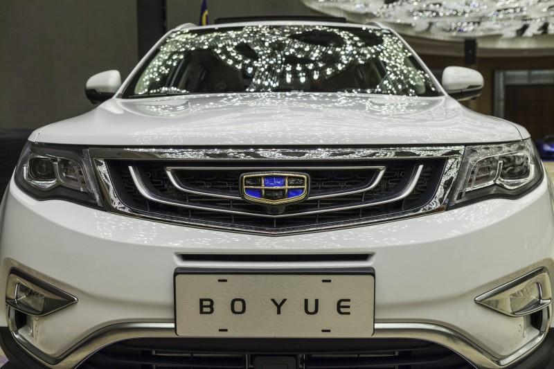 中國車市慘!吉利汽車12月市場銷量暴跌44%