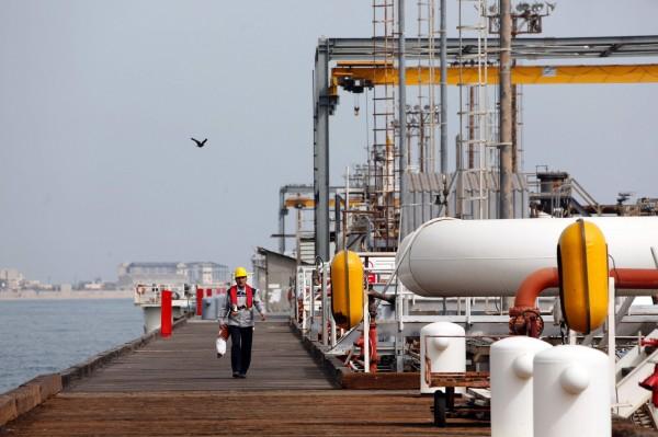 貿易戰趨緩、OPEC減產效應!國際油價3周狂漲逾18%