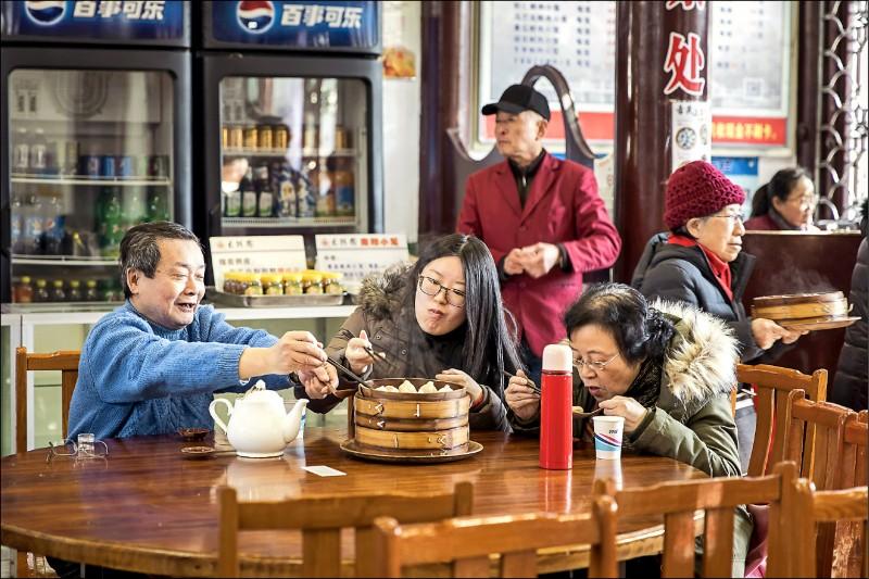 〈財經週報-國際財經〉中國經濟數據灌水 投資人各出奇招破解