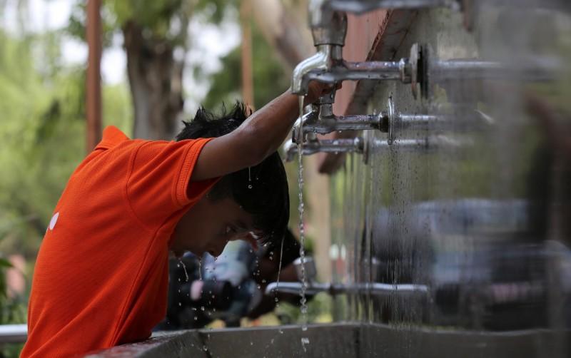 夏季熱爆!印度近半都市人 拿人均月薪一半付電費