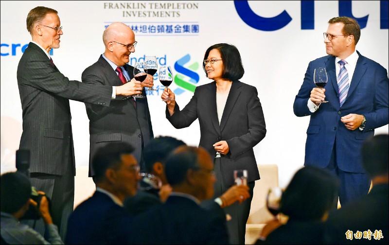 美國商會舉辦「2019謝年飯晚宴」 蔡總統:美台應洽簽雙邊貿易協定
