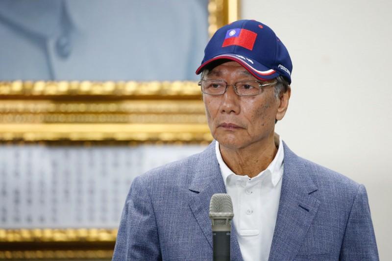 鴻海未來營運掀質疑  彭博:郭董特助曾說他不打算放棄董座職位