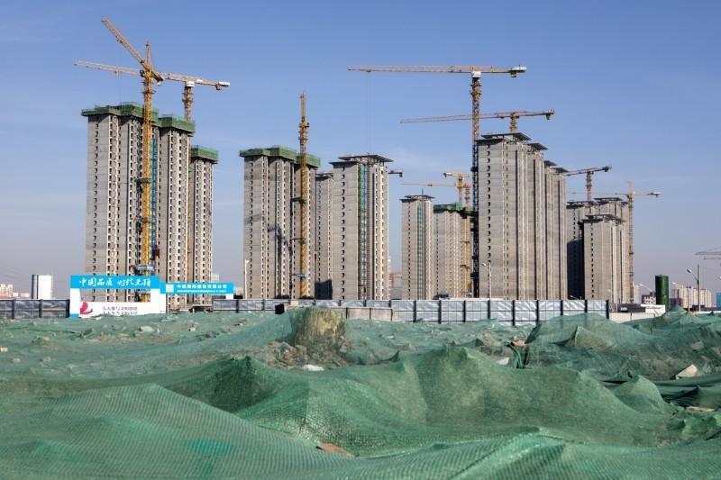 前財經官員示警:中國首季經濟平穩不牢固 提防地產泡沫風險
