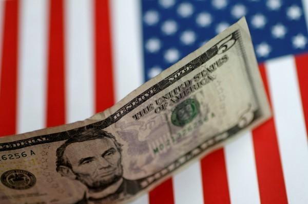 市場期盼GDP數據 美元大漲至近2年新高