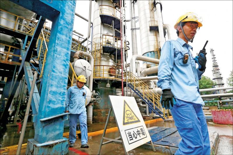 川普促OPEC增產 油價急跌3%