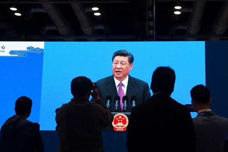 中國「大灑幣」 日經:恐是紙老虎、重演日本泡沫經濟之路