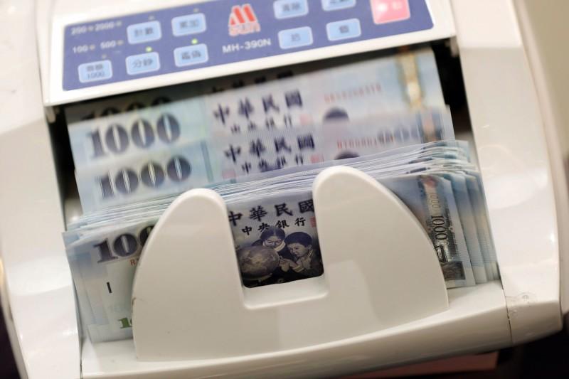 新台幣5月貶掉7.05角  貶幅3年多來最大