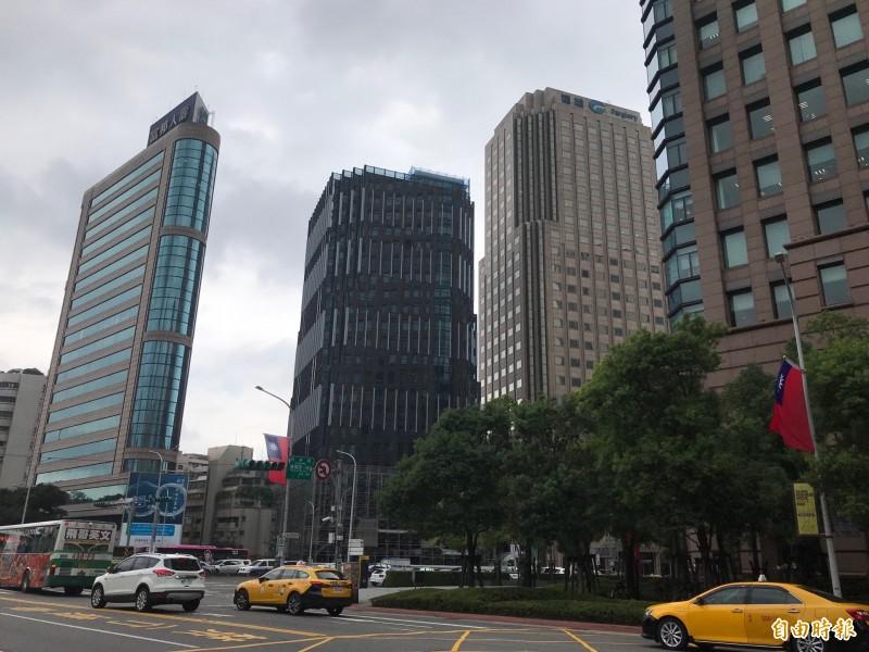 佩芳大樓整建後出租 每坪租金均價3千創新高