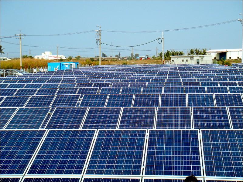 躉購電價 太陽能業者盼改回簽約日費率