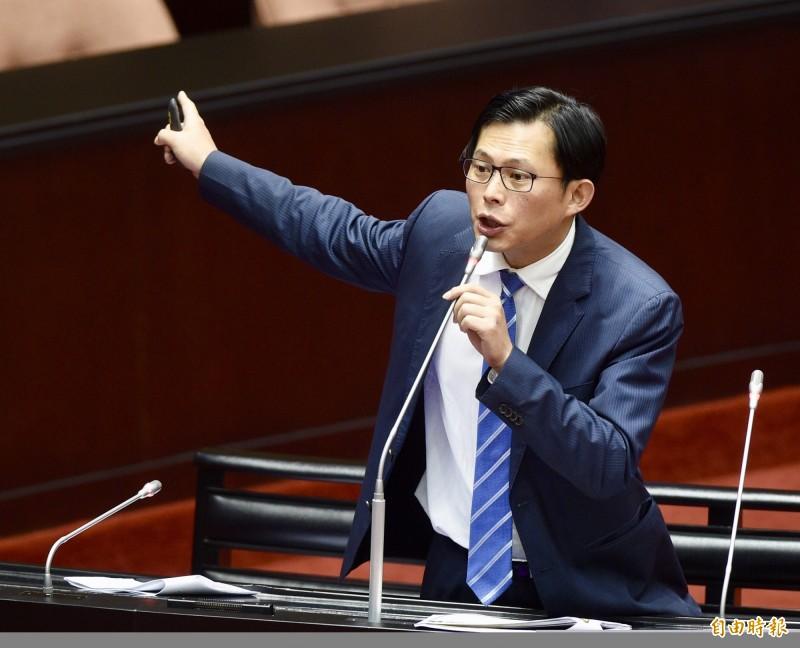 分析師在中遭拘新黨求救 黃國昌嗆:不是喜歡被送中,救什麼救?
