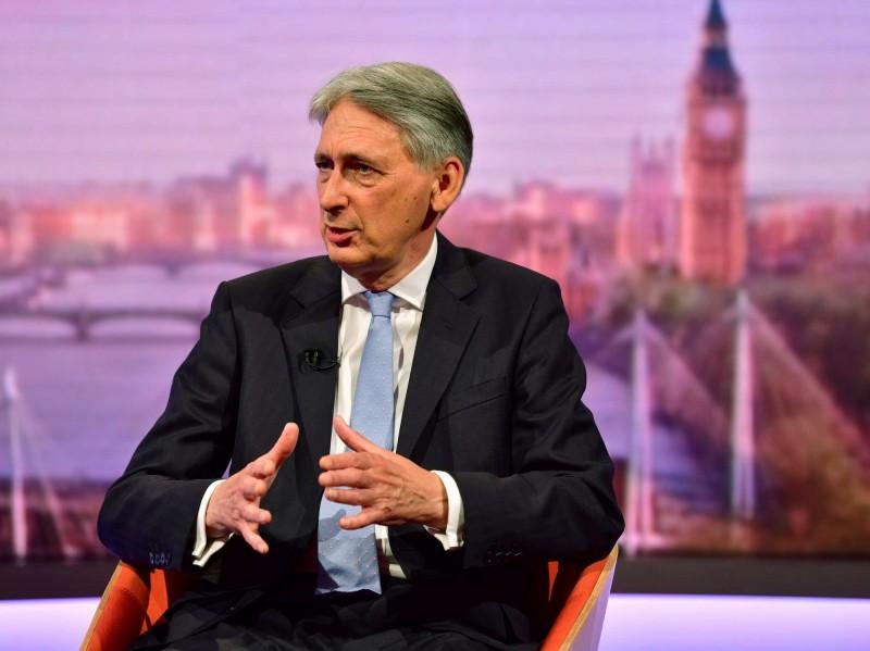 強生若成英國首相 英財相揚言辭職