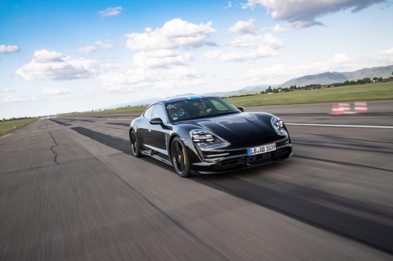 Porsche首款純電跑車Taycan 預接單已破700張