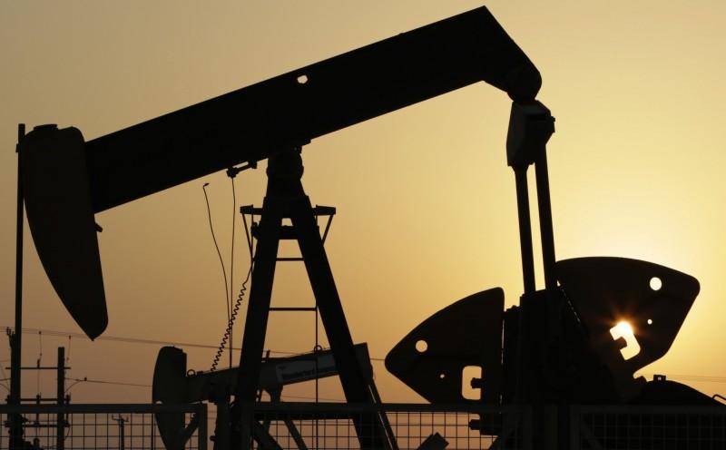 美原油庫存下跌成品油卻增 國際油價漲跌互見