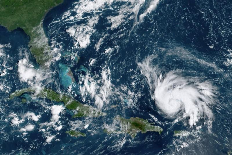 庫存大減、憂颶風引發減產 國際油價上漲