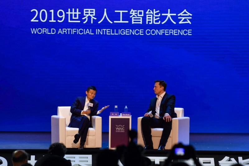 「中西雙馬」AI觀點迥異 但皆認同全球將面臨「人口崩跌」