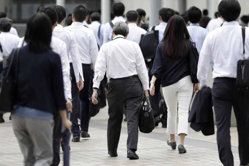 2因素 逾半數日本人對目前資産和儲蓄感到不滿