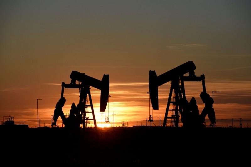 不論油價多低  美能源部副部長:美國要一直產石油!
