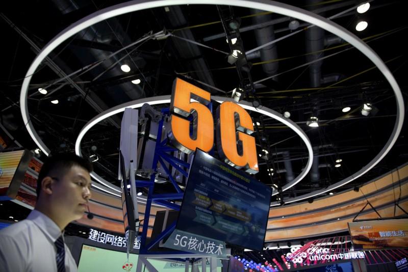 中國5G手機上市滿月 中媒:難盡人意