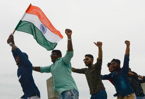 政府宣佈減稅 印度股市創下10年最大單日漲幅
