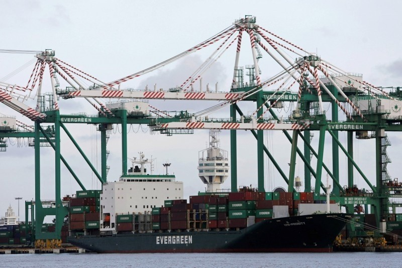 我國前8月出口年減2.2%  減幅明顯低於韓、日、星、港!