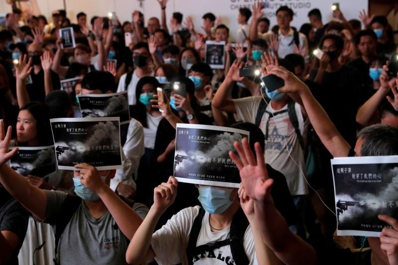 反送中抗爭再升級 蘭桂坊之父:港青無向上流動機會