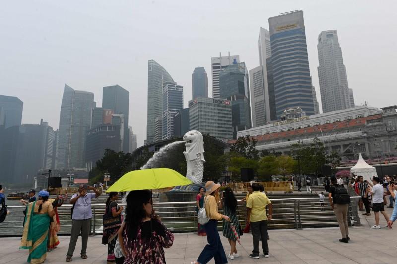 資金轉移不夠看?這些跡象看出新加坡正取代香港