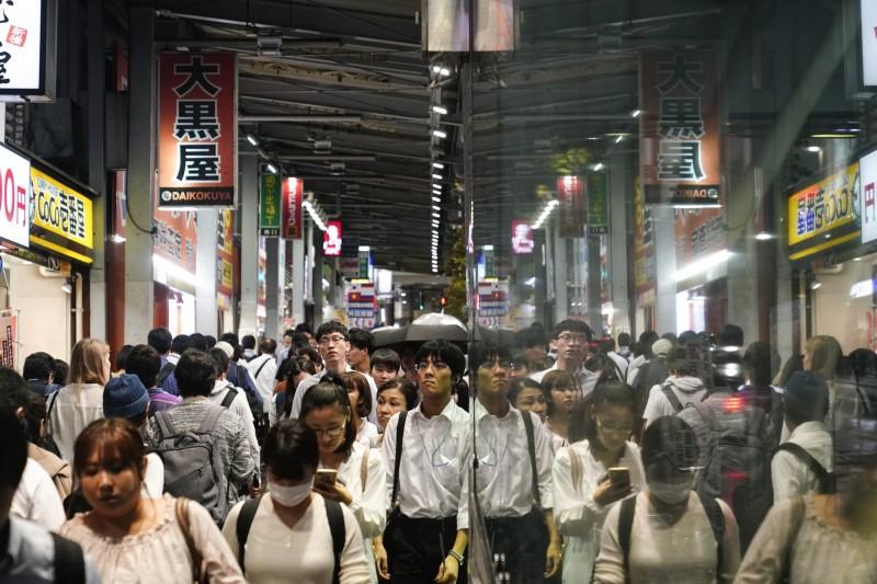 週休3日可行?微軟日本實驗:生產率年增近40%!