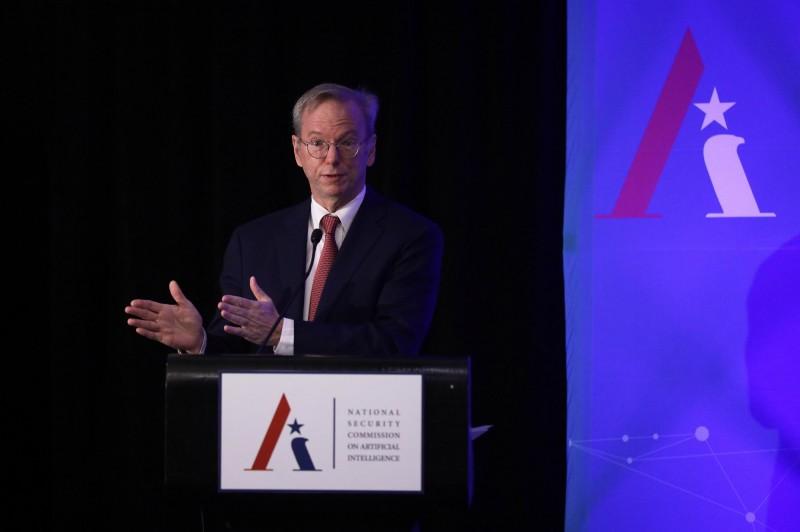 「美國自身創新將受損」 Google前CEO:別切斷和中國AI合作