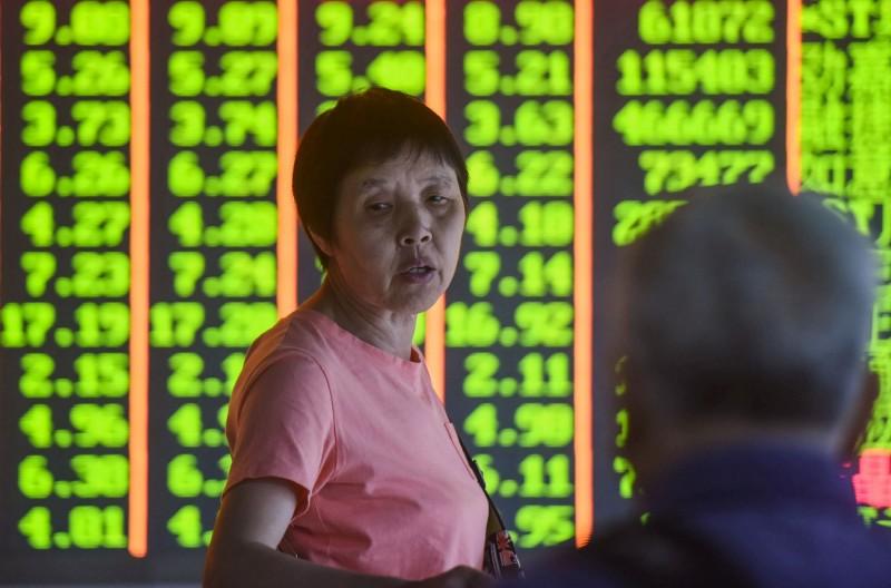 香港情勢惡化 港股大跌724點、中國股市重挫1.8%