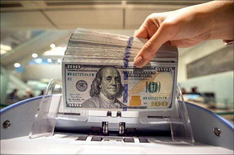 強勢美元到盡頭? 學者:2因素明年美元將轉弱、看漲黃金