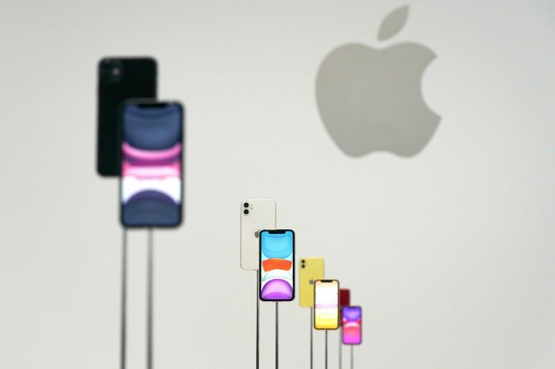 看衰iPhone明年銷量 美信料蘋果股價跌近30%