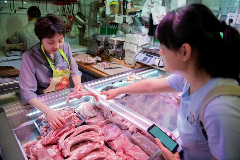 中國官方宣稱:11月以來豬肉價格開始下降了